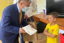 """Photo of Liberalii argeșeni au oferit copiilor """"armele"""" preferate ale Brătienilor"""