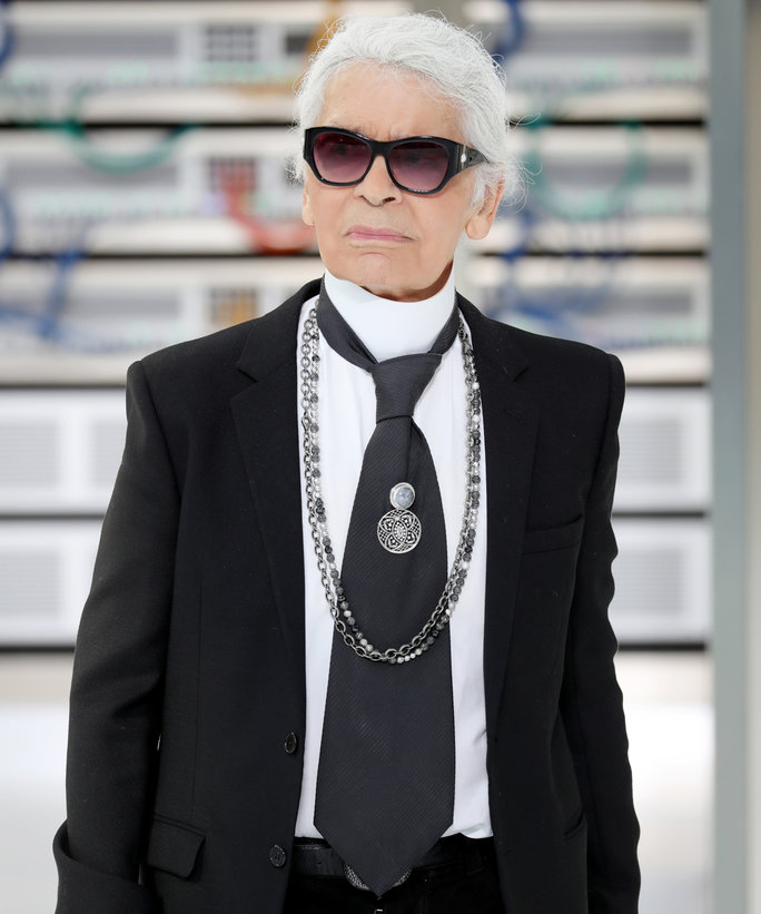 101216 Karl Lagerfeld Engagement Rings LEAD1 af7e1