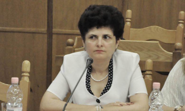 Photo of AU PĂRUL DE ZÂNE SAU DE ȚI SE FACE PĂRUL MĂCIUCĂ?
