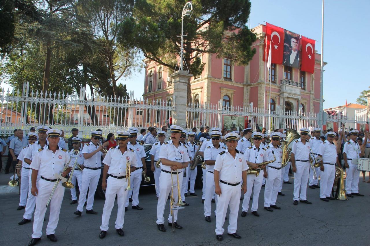 festivalul international de fanfare si majorete i1275831