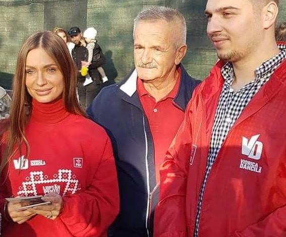 Photo of PREȘEDINTELE VALECA  SURPRINS CU O TIPĂ SEXY